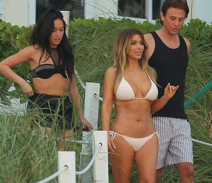 Kim Kardashian muestra su escultural cuerpo tras su embarazo