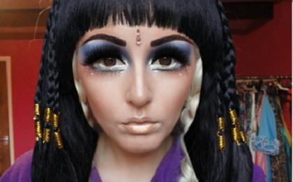 Joven tarda 4 horas en convertirse en una 'Barbie humana'