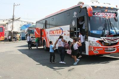 Delincuentes asaltan un bus de la Cooperativa Coactur