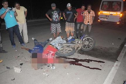 Dos hombres mueren tras ser arrollados en la vía Chone-Canuto