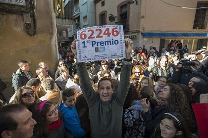 La lotería española reparte $3.000 millones que aliviarán la crisis