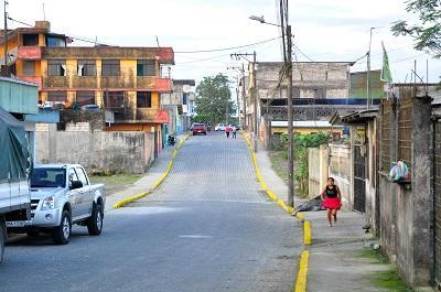 Cooperativa Galo Plaza Lasso de Santo Domingo estrena adoquinado