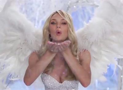 Los 'ángeles' de Victoria´s Secret dan un sexy saludo por Navidad (VIDEO)