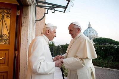 La Navidad unió a Francisco y al papa emérito Benedicto XVI