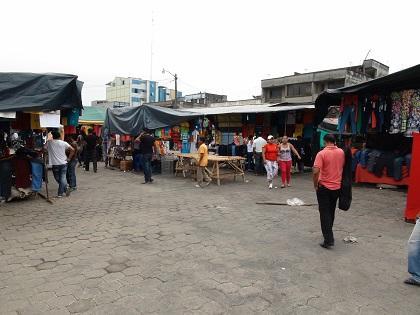 Los afectados del incendio de La Concordia 'permanecen en la calle'