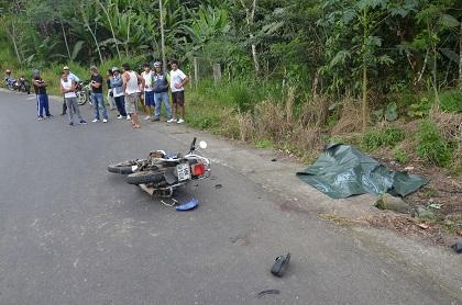 Ni el casco salvó de la muerte a motociclista en Santo Domingo