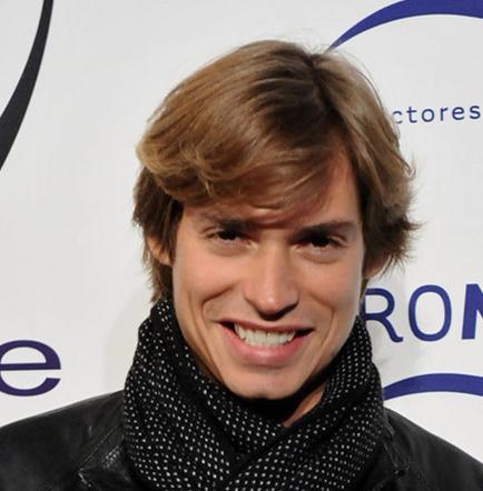 Carlos Baute confiesa haber rechazado cantar en inglés