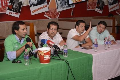 Presentan a Fabián Bustos como el nuevo técnico de Liga de Portoviejo