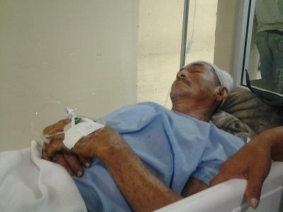 Hombre se recupera luego de que una llanta explotó frente a él