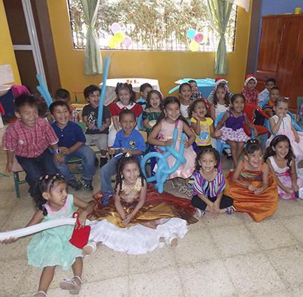 Alumnos disfrutaron de la fiesta de Navidad