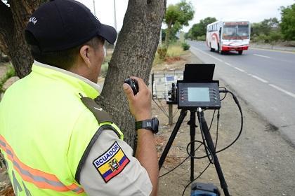 Más de 700 conductores fueron multados por exceso de velocidad