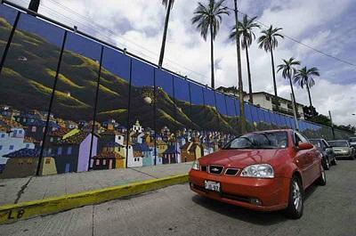 Murales para adornar las calles de la capital manabita
