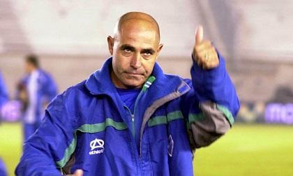 El técnico Juan Manuel Llop llegaría este viernes a Manta