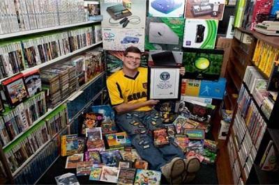 Hombre tiene 10.607 videojuegos y gana récord Guinness