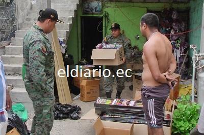 Militares decomisan juegos pirotécnicos en vivienda de Portoviejo