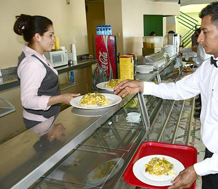 """El restaurante """"La Carreta"""" calma  el hambre de 1.500 personas al día"""