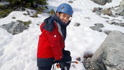 Un niño de nueve años bate récord al coronar la cima del Aconcagua