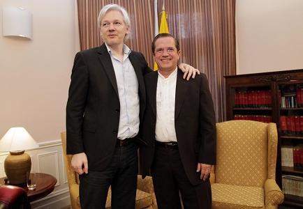Ecuador lamenta que Reino Unido no dé paso a formar grupo sobre caso Assange