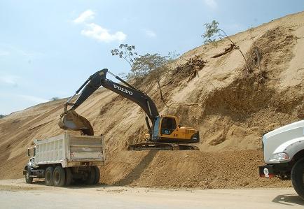 Trabajos continúan en el cerro de Junín