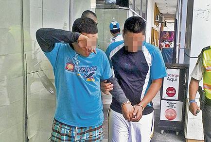 Dos detenidos por extorsión