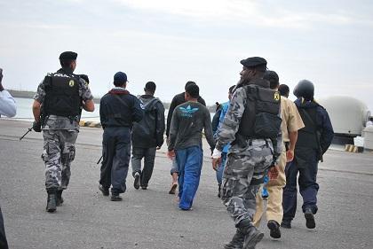 Guerrilleros de las FARC se entregan a la Policía ecuatoriana