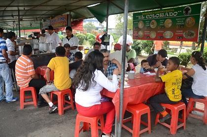 En el redondel de la Policía de Santo Domingo está el rincón del sabor
