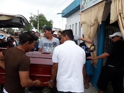 Asesinan a un hombre de cuatro balazos en Montecristi