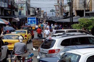 Comerciantes minoristas buscan opciones para dejar las calles