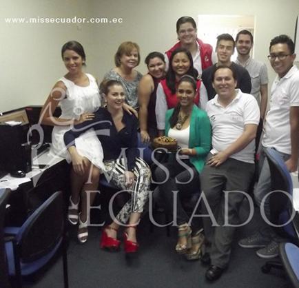 Reinas agasajaron a  staff del Miss Ecuador