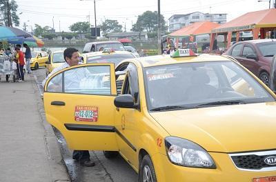Tarifas de taxis sin control en Santo Domingo