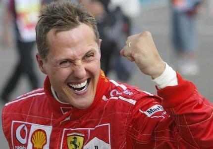 Schumacher fue operado de nuevo y muestra una 'ligera mejoría'