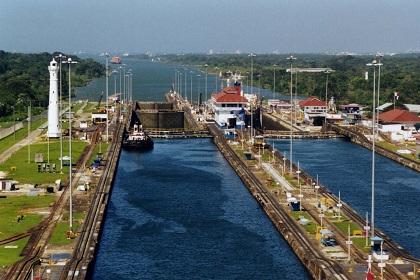 Canal de Panamá rechaza presiones de consorcio que amenaza abandonar ampliación