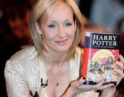 Multan al abogado de Jk Rowling por filtrar identidad de la autora