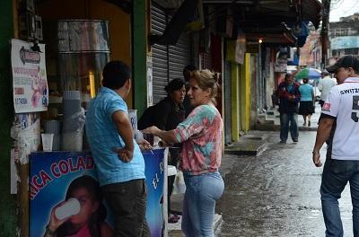 El comercio reina en la avenida 29 de Mayo de Santo Domingo