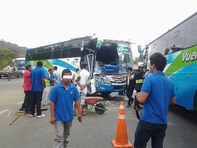 Cinco heridos por choque en la vía Portoviejo-Manta