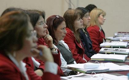 Informe indica que el 2013 fue desfavorable para las mujeres peruanas