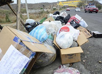 La basura sigue sin ser recogida
