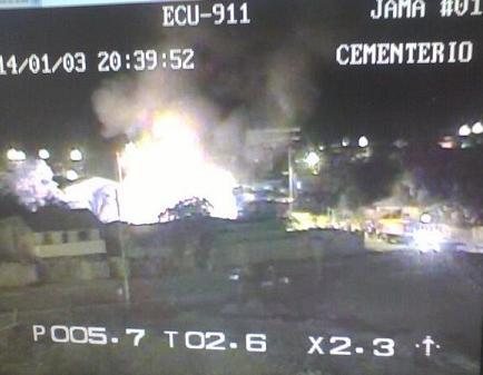 Dos casas afectadas por incendio en Jama