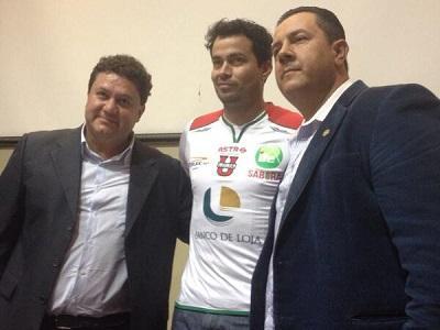 Iván Kaviedes es presentado como jugador de Liga de Loja