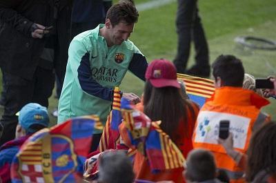 13.200 aficionados se reunieron para ver el regreso de Messi