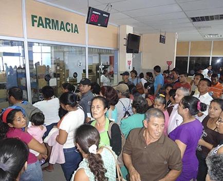 CAOS EN EL IESS POR AUSENCIA   DE EMPLEADOS