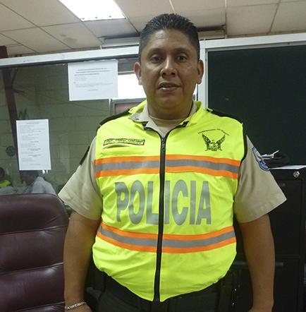 POLICÍA SOBREVIVe A UN ACCIDENTE
