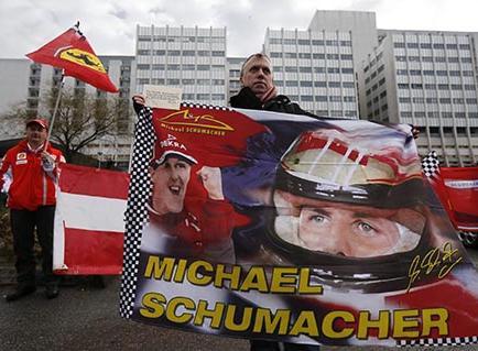 Schumacher recibe homenajes