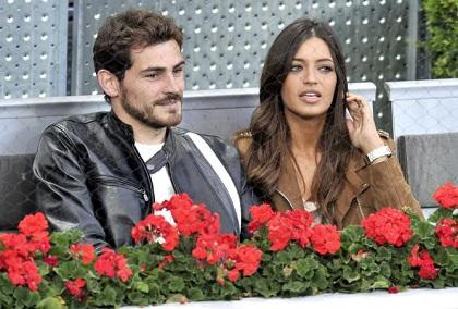 Iker Casillas visita a su novia y a su hijo en el hospital después de entrenar