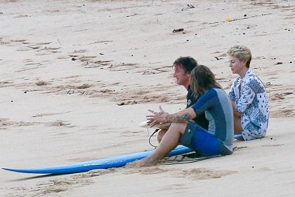 Charlize Theron y Sean Penn tendrían una relación amorosa, según diario