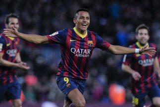 El Barça se mantiene líder con goles de Alexis y Pedro