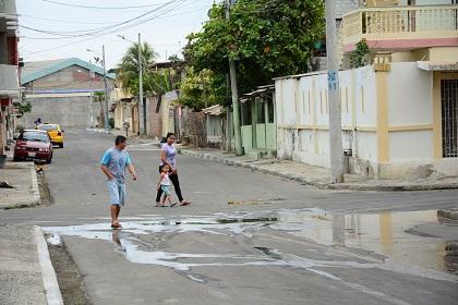 Moradores del barrio La Sirena aseguran que tienen varios problemas