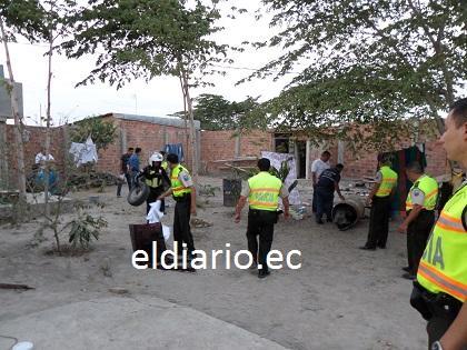 Policía descubre desguazadero de carros en una ciudadela de Montecristi