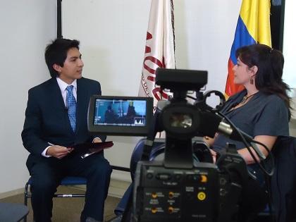 Periodistas ecuatorianos celebran hoy su día