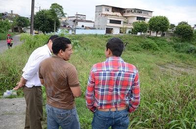 Cancha de índor fútbol de Los Pambiles se encuentra abandonada y sin acceso
